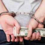 Чи потрібен адвокат у кримінальному провадженні по ухиленню від сплати податків?