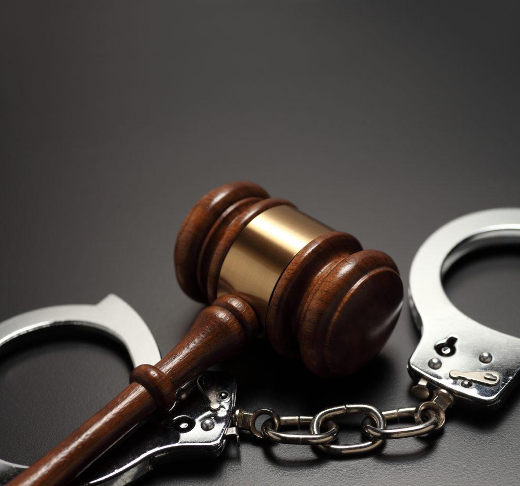 Адвокат – доверь своё дело профессионалу!