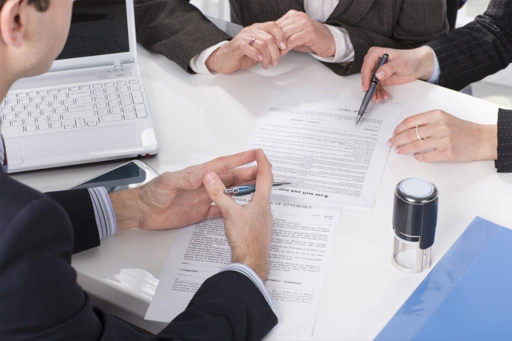 Адвокат з податкових спорів