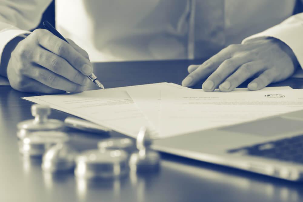 Юридические услуги физическим лицам: нужно ли обращаться к юристу?