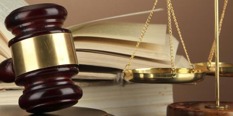 Представництво в суді: чи варто вдаватися до послуг адвоката?